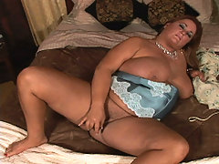 Big babe slide toy in pussy great bbw
