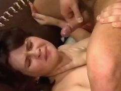 Pregnant cutie gets cumload on face in groupsex