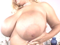 Massive titties Samantha fingers herself great bbw